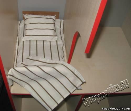 Домик для Барби, кровать