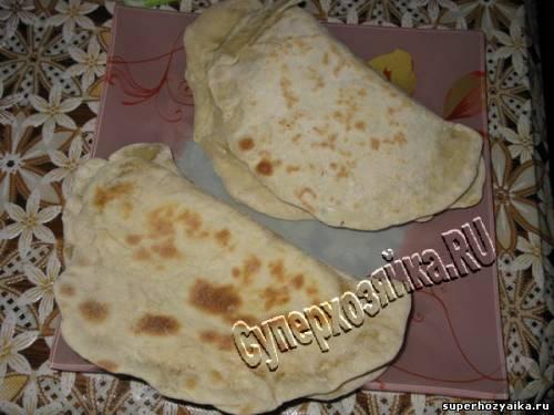 Азербайджанские лепешки с сыром и зеленью