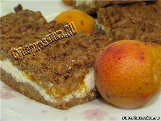 Шоколадный творожный пирог с абрикосами