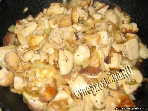Белые грибы в сметане, рецепт