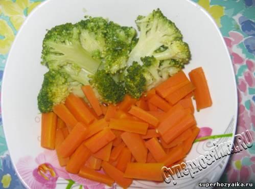 Праздничный салат с брокколи