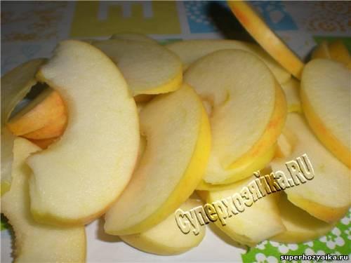 Яблочный пирог - простой рецепт с фото