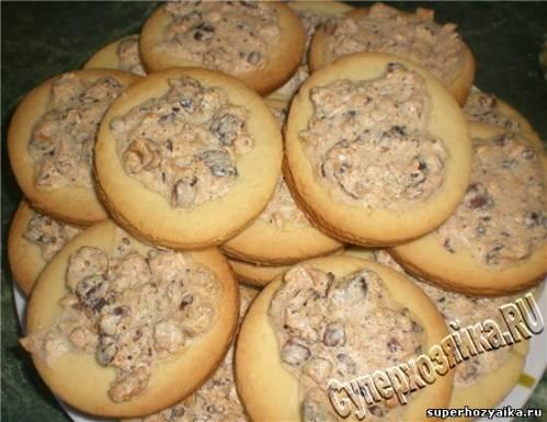 Печенье на майонезе с орехами. Рецепт с фото