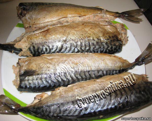 Скумбрия, фаршированная лососем