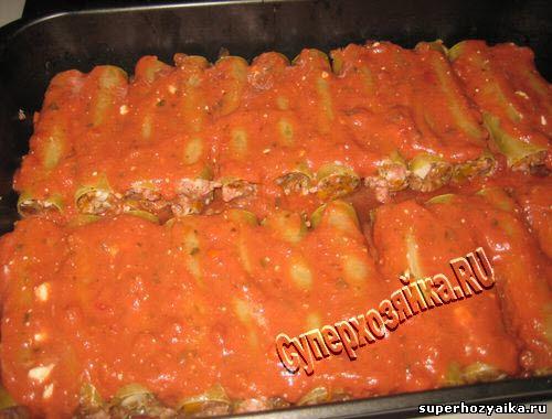 Каннеллони с томатным соусом