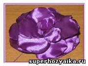 Как сделать цветок из ткани на резинку. Украшения для волос своими руками