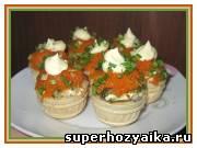 Праздничные салаты, рецепты с фото. Закусочный салат для фуршета. Салат с рыбой ...